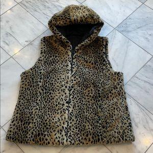 Vest - faux leopard reversible